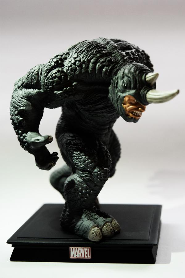 mh3d-e06-rhino-02