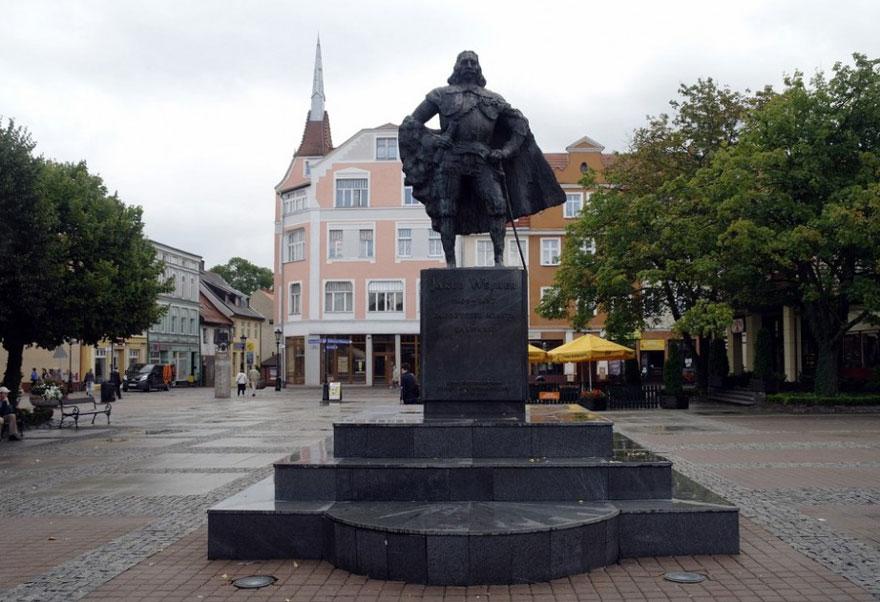statua Jakob Wejher diventa darth vader