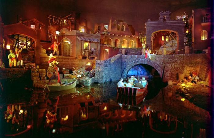 "Pirati dei Caraibi ""Pirates of the Carribean"" a Disneyland"