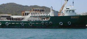 Pirati dei Caraibi L'HMS Sunset prima dell'abbordaggio