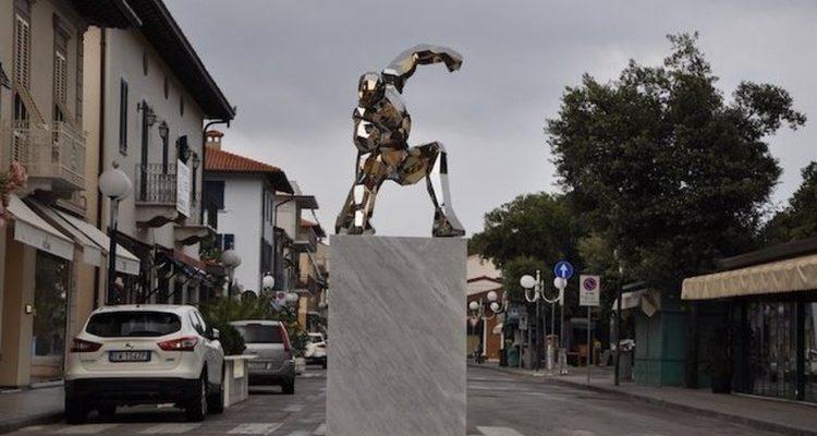 iron man statua 00